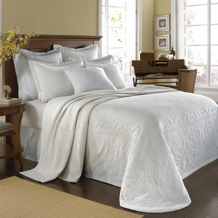 Home Bedding Bedspreads & Coverlets White King Charles Matelasse ...