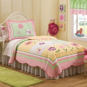 Butterfly Kisses Girls Quilt with Pillow Sham