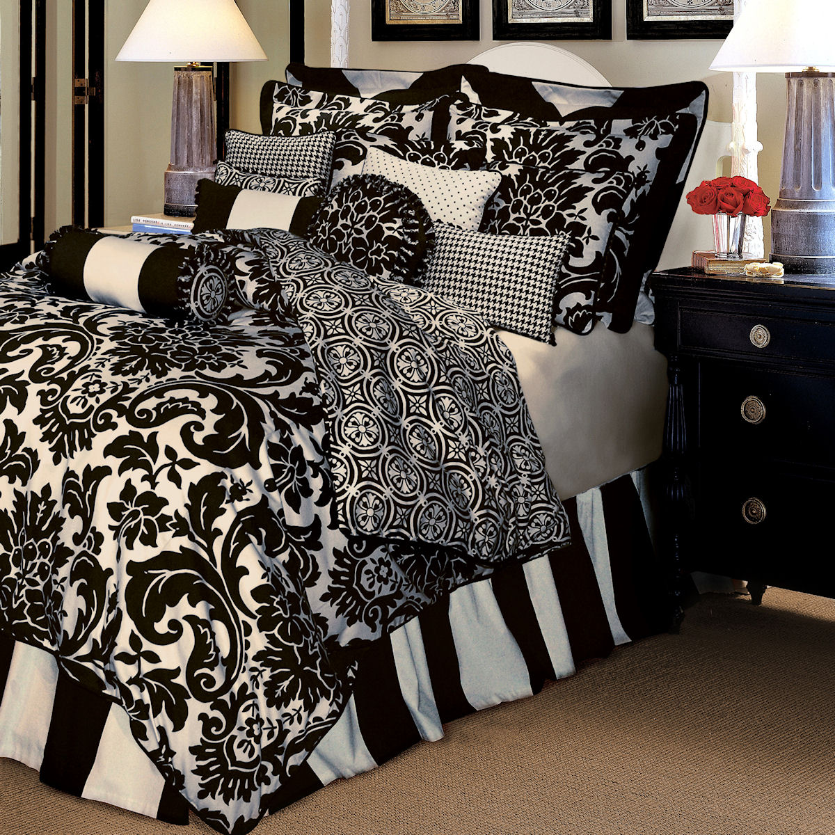 Interesting Black And White Bedding Ideas With Amazing