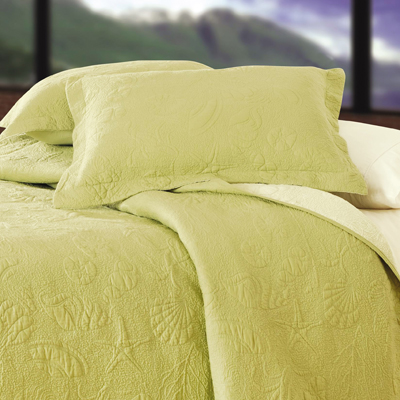 Green Shell Solid Color Quilt Townhouse Linens